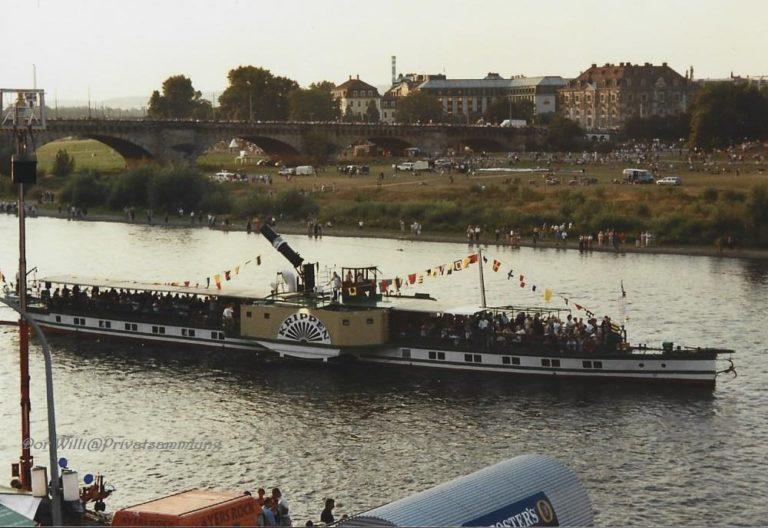 """PD """"Krippen"""" zur Dampferparade Stadtfest 2000"""