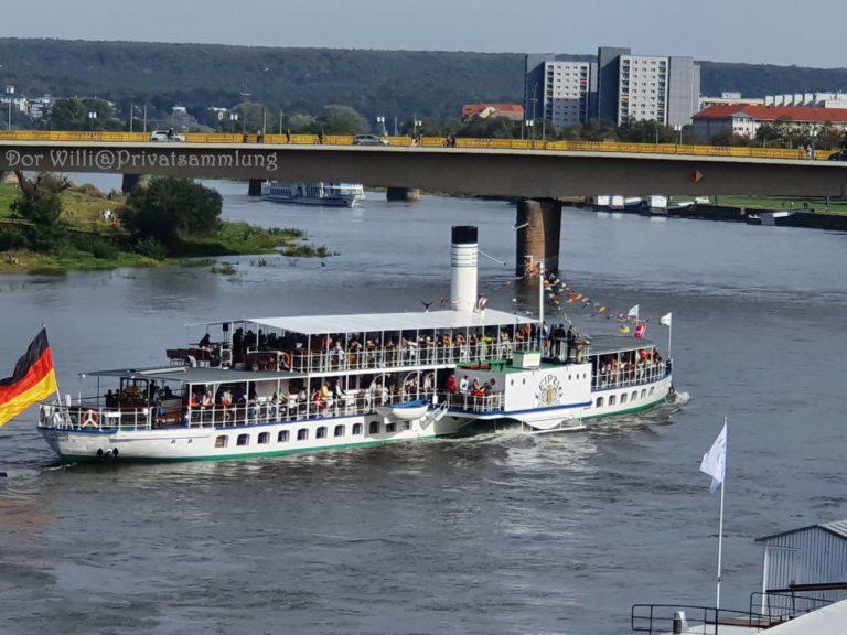 PD Leipzig an der Carolabrücke in Dresden