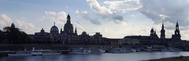 Panorama des Terrassenufers