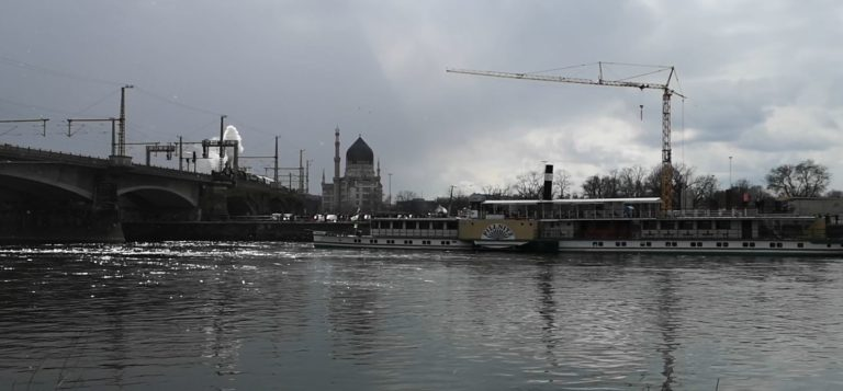 Video - Wir lassen Dampf ab - PD Pillnitz - Geisterzug trifft Geisterschiff