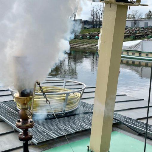 neue Dampfpfeife grüßt ihr zukünftiges Schiff PD Stadt Wehlen