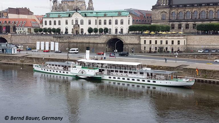 """PD """"Dresden"""" am Terrassenufer Anleger 1"""