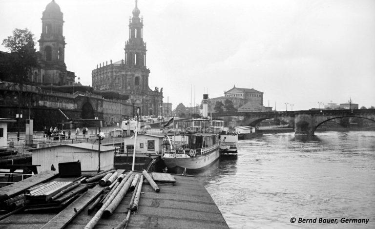Terrassenufer Dresden schiffsseitig